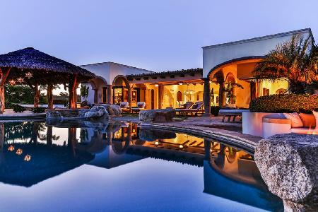Nestled on a golf course, sea view Casa Riviera One boasts a pool & private beach - Image 1 - Cabo San Lucas - rentals