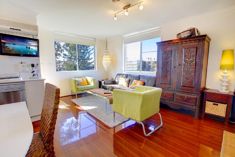 Stylish, studio oasis, just 100m to Bondi Beach! - Image 1 - Bondi - rentals