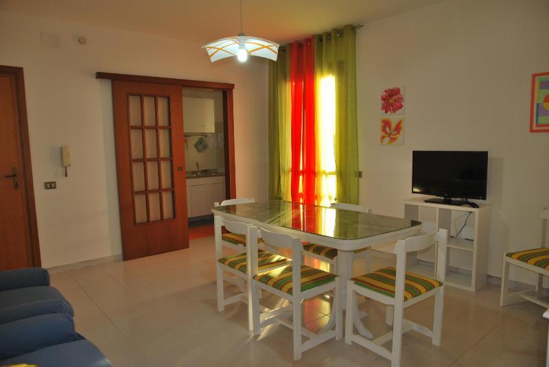 Apartment  La Arena Two bedrooms Beach 4 persons - Image 1 - Alghero - rentals