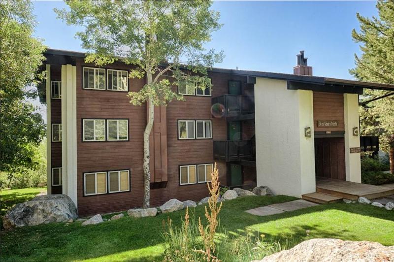 2Bd/1.5Ba Gros Ventre A12 - Image 1 - Teton Village - rentals