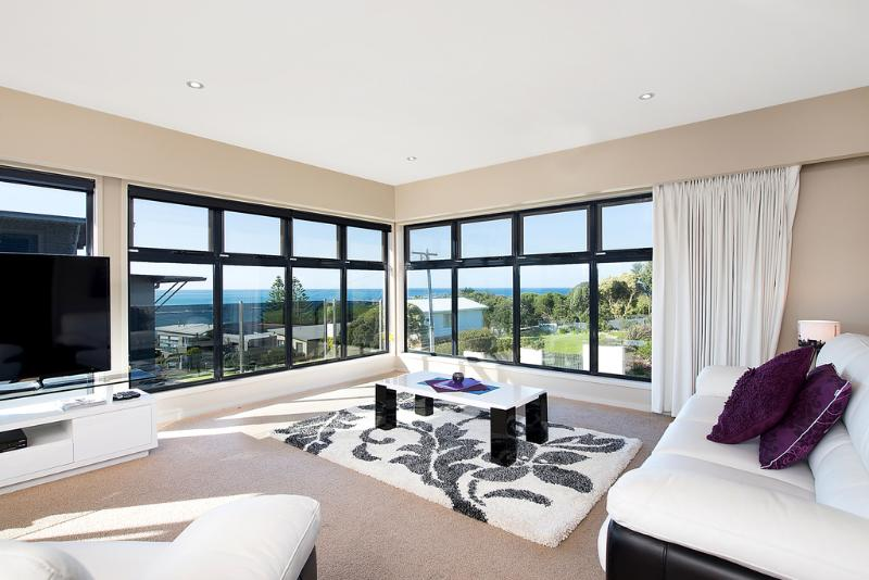 SEAVIEWS AT MARENGO BEACH - Image 1 - Apollo Bay - rentals