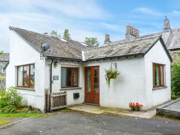 HUNTER'S MOON, woodburning stove, off road parking, patio area, in Ambleside, Ref 903560 - Image 1 - Skelwith Bridge - rentals
