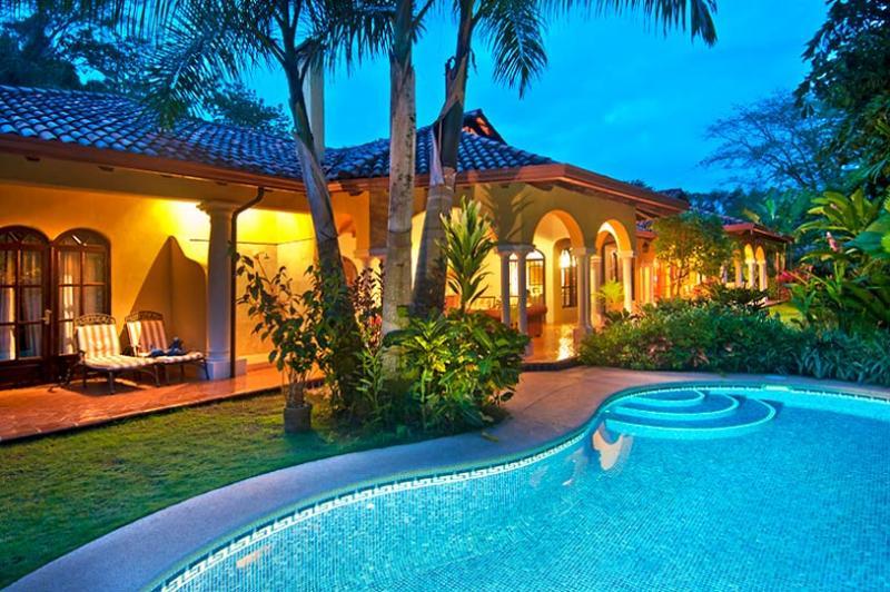 - Bell Hacienda - Jaco - rentals