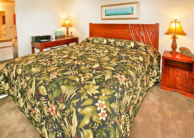 Bedroom - #609 - 2 Bedroom/2 Bath Ocean Front Penthouse unit on Sugar Beach! - Kihei - rentals