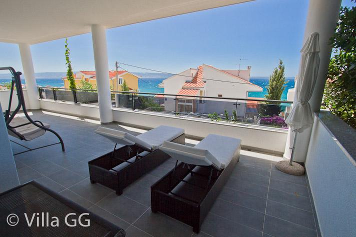 Villa GG: Exclusive accommodation / First Floor - Image 1 - Podstrana - rentals