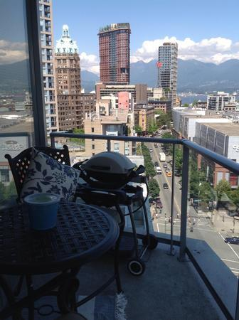 Beautiful view of Northshore Mountains off of balcony. - LUXURY IN VANCOUVER - Vancouver - rentals