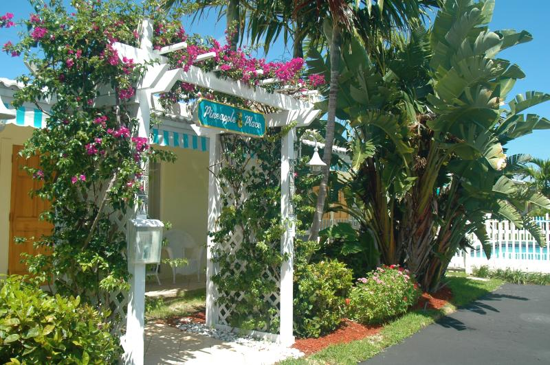 Welcome to Pineapple Place - Pineapple Place Apartment Homes - Walk to Beach - Pompano Beach - rentals
