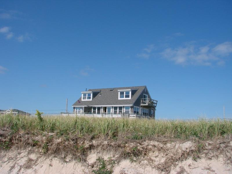 "SEASIDE COTTAGE! - LOCATION! ""SEASIDE"" 2- 12 guests / PRIVATE  BEACH - Charlestown - rentals"