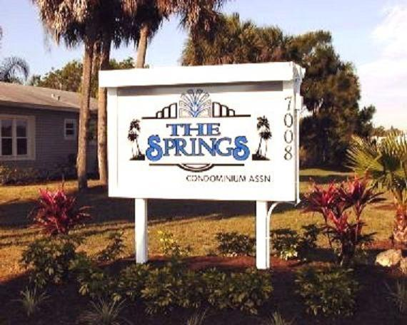 The Springs - Wow-$395 a week!-  April 1 to Dec 1 OPEN! - Fort Myers - rentals