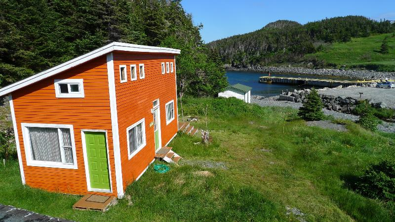 Cabin next to the beach and wharf - EAST COAST TRAIL CABIN BY THE SEA - Newfoundland - rentals