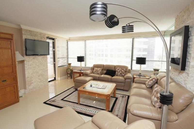 Miami Beach 819 Updated and Luxurious 2 Bedroom - Image 1 - Miami Beach - rentals