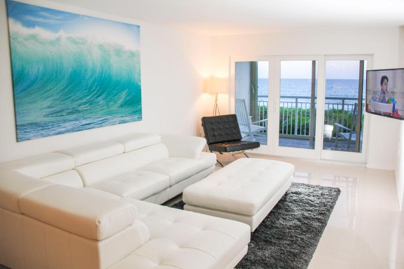 Living Room - 30 feet from the sand on Hutchinson Island - Jensen Beach - rentals