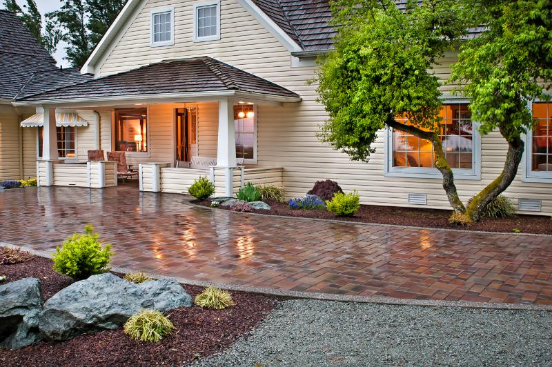 Entrance to Farmhouse - Angelsong Retreat Farmhouse - Stanwood - rentals