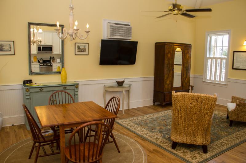 Dining area - JASMINE QUARTERS - CARRIAGE HOUSE - Savannah - rentals