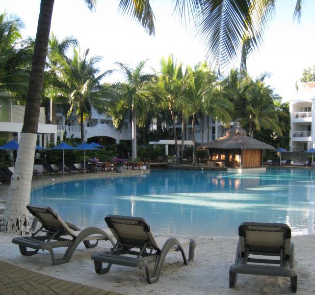 Lagoon Pool with Sandy Beach - Allure Palm Cove Beach Club - Palm Cove - rentals