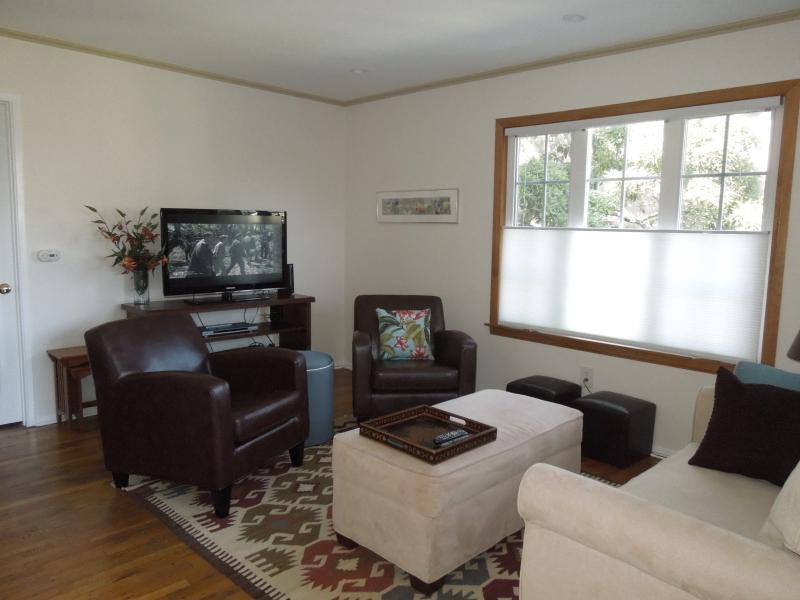Living Room - Carriage House below the Hollywood Sign (Beachwood - West Hollywood - rentals