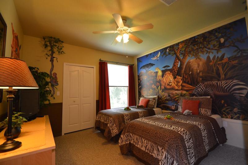 Fun Jungle Safari Condo Rental, near Walt Disney World - Image 1 - Kissimmee - rentals