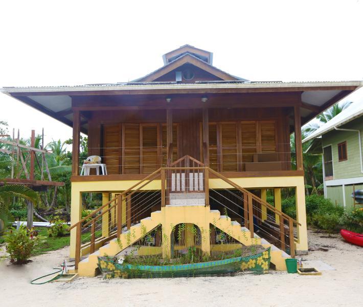 Casa Amarillio - Beach Front - Caribbean Sea out Your Front Door - Isla Bastimentos - rentals