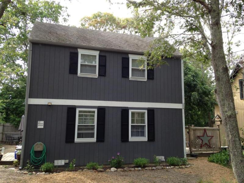 Charming 3br Getaway in Oak Bluffs - Image 1 - Oak Bluffs - rentals
