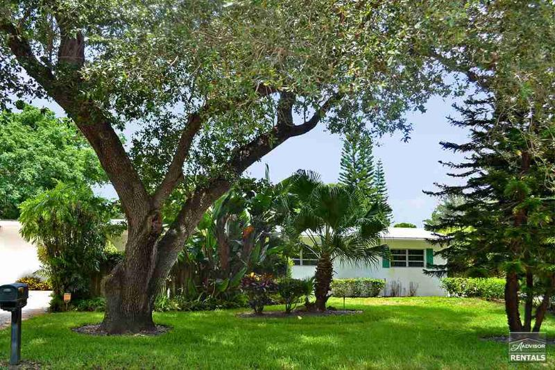 Adorable Beachy Pool Home Just One Mile To The Beach! - Image 1 - Naples - rentals
