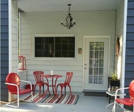 Conveniently located and near downtown- 1 bedroom apt. overlooking golf course - private, and quiet. - Great central location!  1 Bdrm apt on golf course - Asheville - rentals
