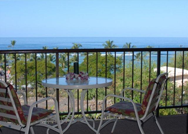 KBV 304 Top Floor Condo: Huge Oceanview, Elevators, Beach Walking Distance! - Image 1 - Kailua-Kona - rentals