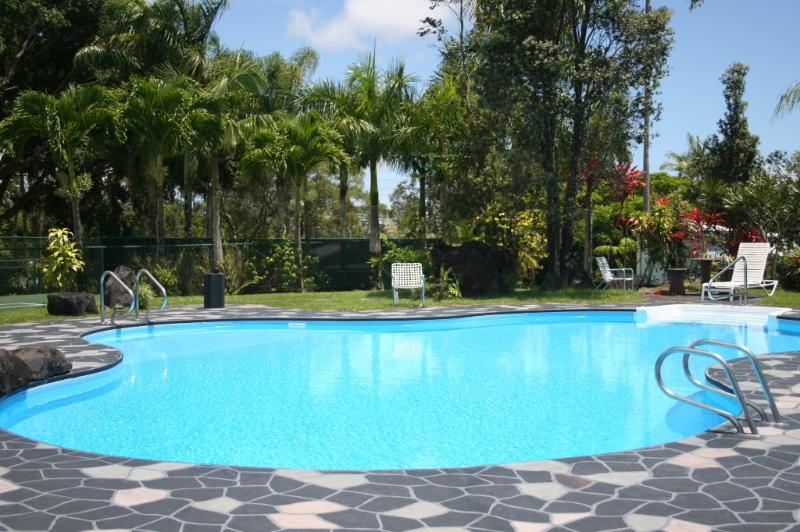 Lagoon saline pool - Escape to a tropical Big Island estate - Keaau - rentals