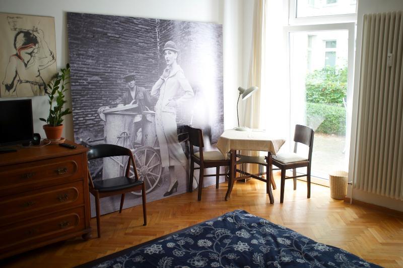Bedroom / Livingroom - Lovely Apartment with Garden Terrace - Berlin - rentals