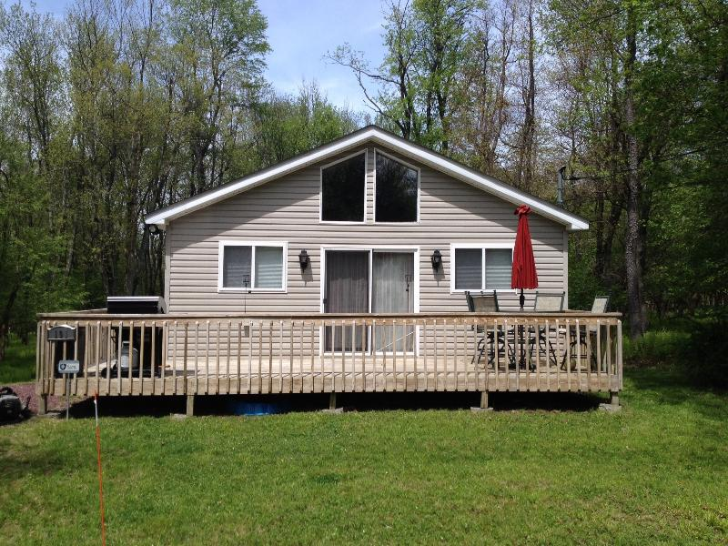 Ten Minutes From Big Boulder (incl. wifi & towels) - Image 1 - Albrightsville - rentals