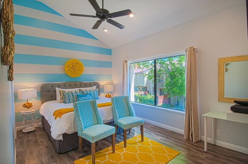 Gorgeous master suite with King BeautySleep mattress and luxurious linens you will sink into! - Suite Escapes 4! Walk to Disney/Conv Ctr! Pool! - Anaheim - rentals