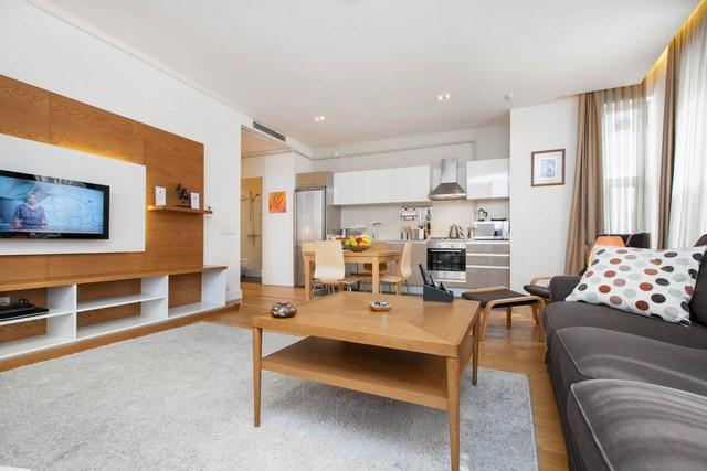 1 BR 70M2★GALATA★RECEPTION★CLEANING★ELEVATOR★METRO - Image 1 - Istanbul - rentals