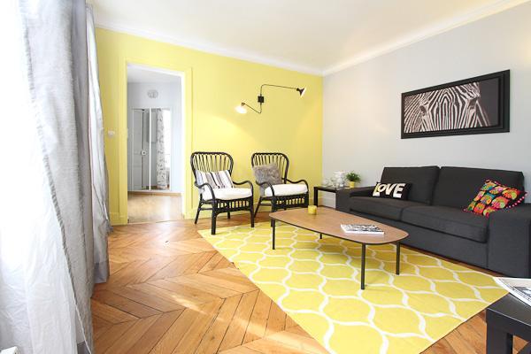 Living room - Stylish 2 Bedroom at Le Saint Michel in Paris - Paris - rentals