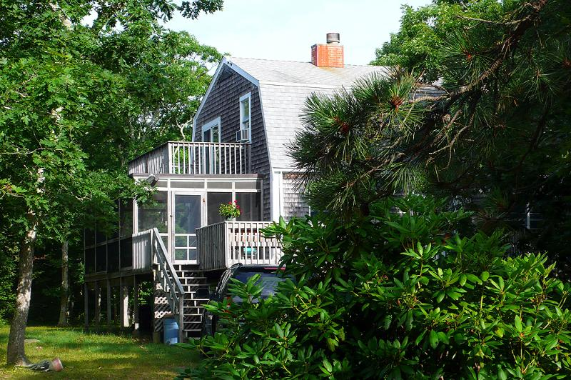 1684 - BEAUTIFUL, PRIVATE, 4 BEDROOM CHAPPY HOME - Image 1 - Edgartown - rentals