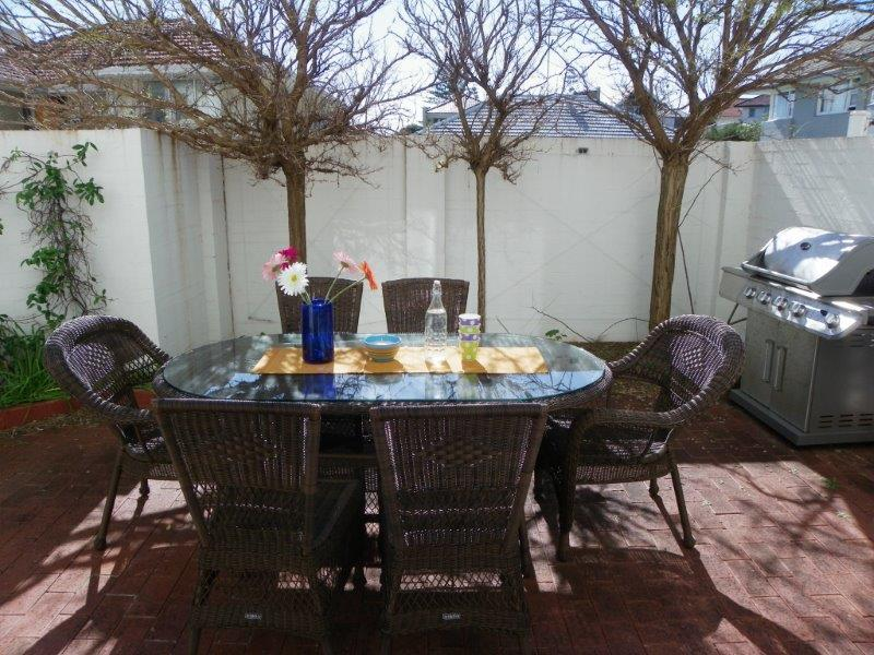 Outdoor area - The Cottesloe Central Apartment - Cottesloe - rentals