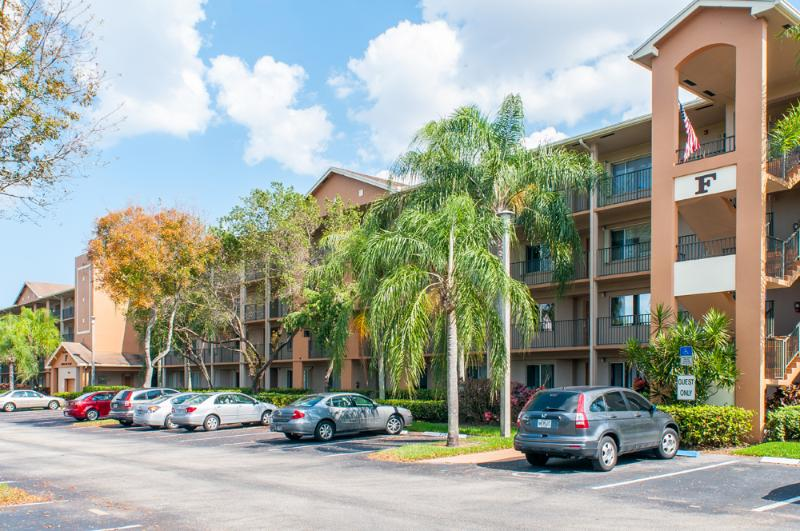 Pembroke Pines Florida 2 bedroom 2 bathroom - Image 1 - Pembroke Pines - rentals