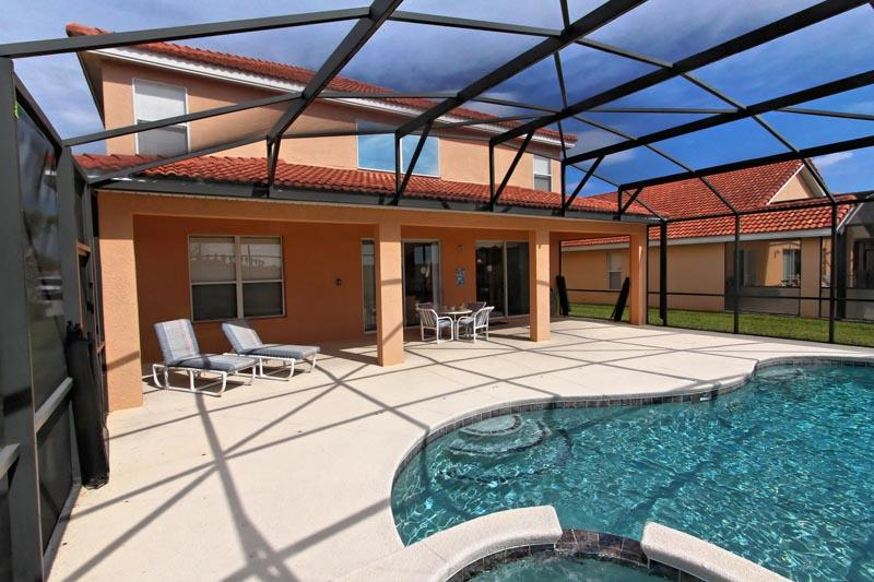 Sun drenched pool deck and spa - Bubbles - Davenport - rentals