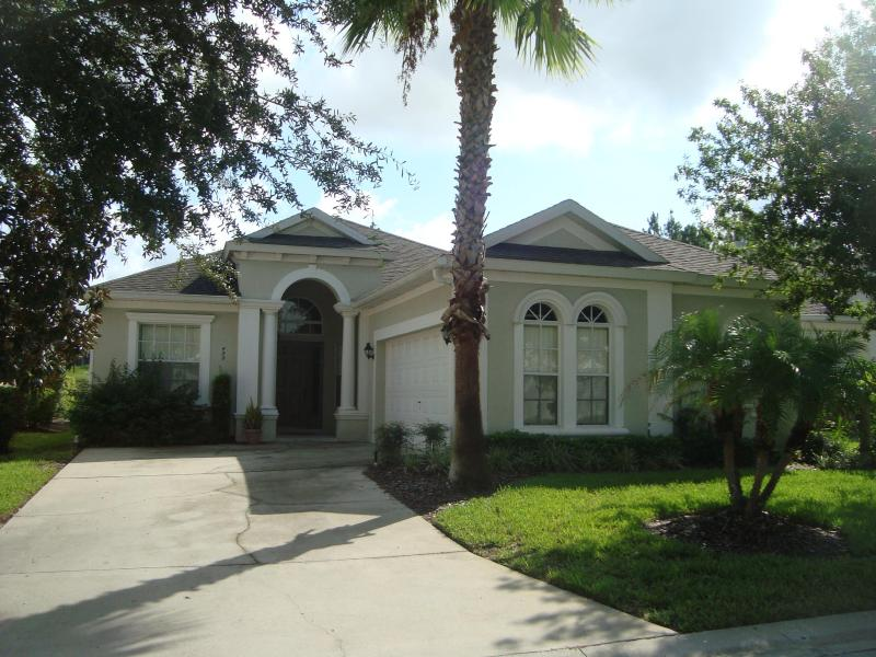 Calabay Parc Luxury 4 Bed Home Private Pool conservation views Games Room Hot Tub. Free Wi-fi - Image 1 - Davenport - rentals