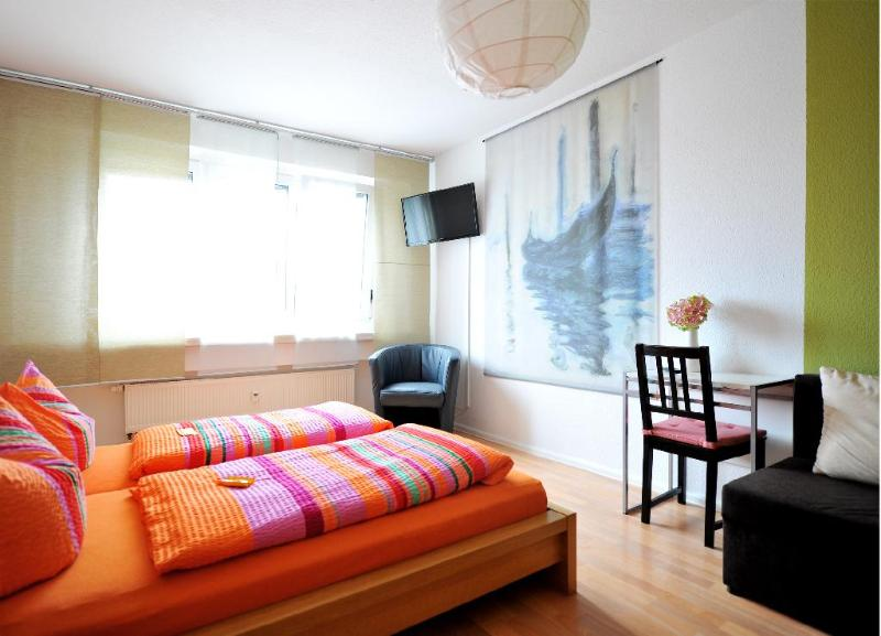 Vacation Apartment in Leipzig - 549 sqft, centrally located, breakfast available, stylishly decorated,… #570 - Vacation Apartment in Leipzig - 549 sqft, centrally located, breakfast available, stylishly decorated,… - Leipzig - rentals