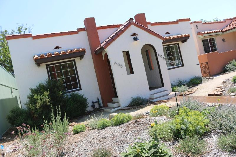 The Casitas from 13th St. - Casita Azul in Charming Downtown Paso Robles - Paso Robles - rentals
