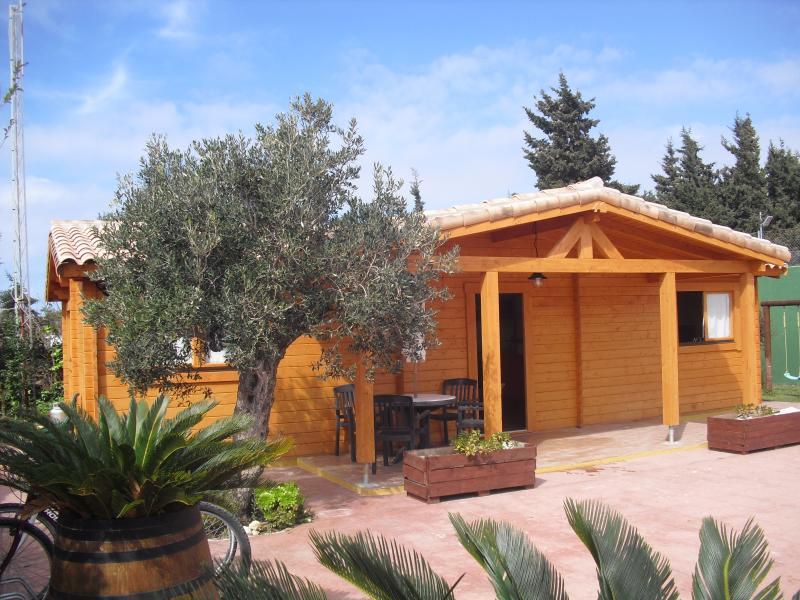 Wood house in Caños de Meca in front of Natural Park LA BREÑA and 800 meters from the sea - Image 1 - San Fernando de Henares - rentals