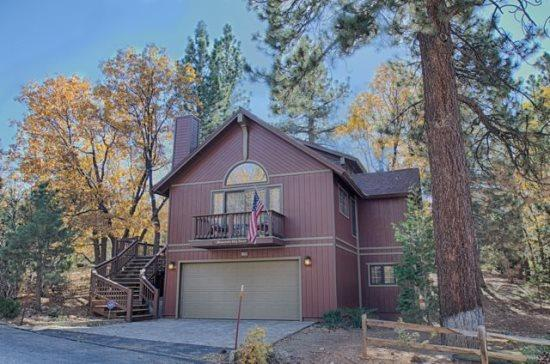 Beautiful Mountain Sky - Mountain Sky: Retreat for 12 with Spa, Pool Table - Big Bear City - rentals