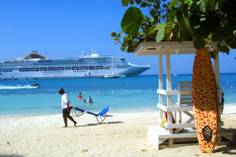 Beach front location - Ocho Rios Beach-front resort condo- 7th night free - Ocho Rios - rentals