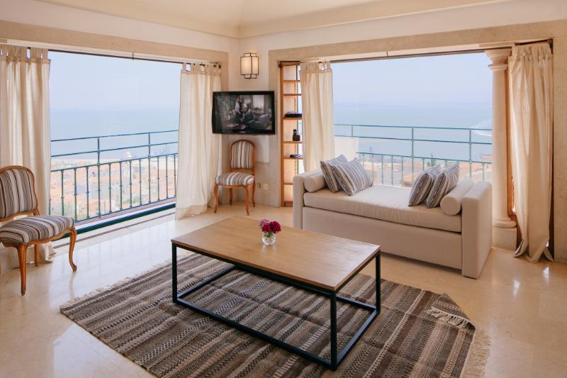 Apartment in Lisbon 261 - Castelo - Image 1 - Lisbon - rentals