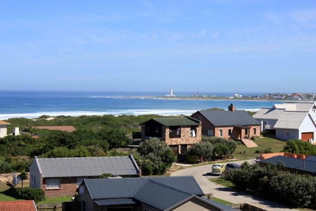 Stunning view from House - Cape St Francis Modern. FREE Wifi. Beautiful views - Cape Saint Francis - rentals