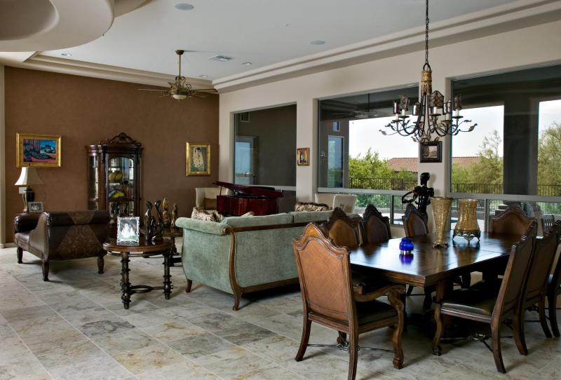 Formal living room - Scottsdale Luxury Home, Prime Scottsdale Location. - Scottsdale - rentals