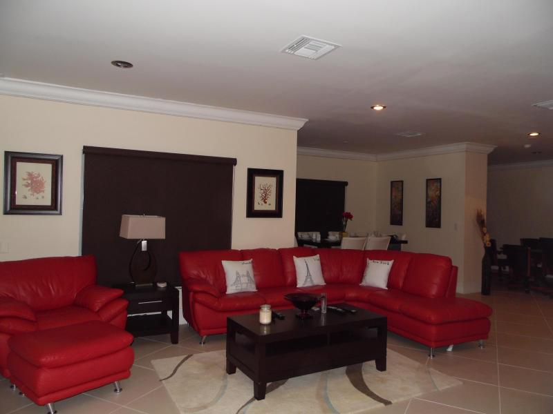 waterfront condo, directly across from Beach - Image 1 - Freeport - rentals