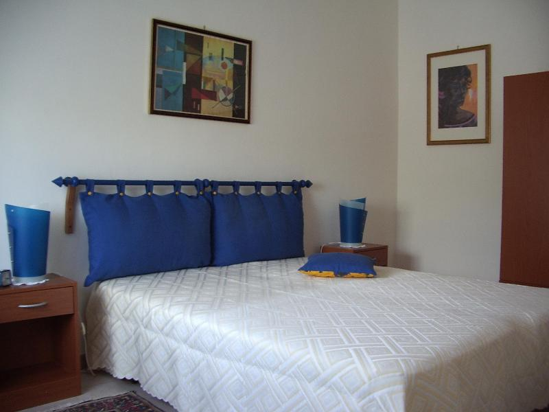 """""""LA TONNELLE""""! house with two rooms and garden - Image 1 - Rilievo - rentals"""