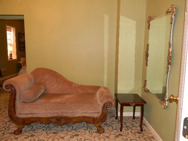 1 bdrm condo: chaise chair - 1800s Tavern with WONDERFUL UPGRADED lodging - Mount Pleasant - rentals