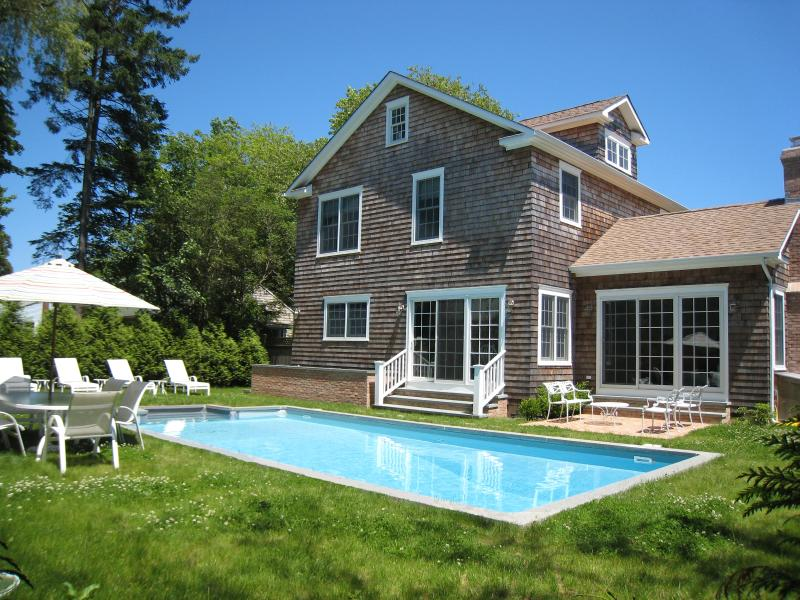 New and luxuriously appointed 5-bedroom, 4 1/2 bath vacation home. - Brand New In Prime East Hampton Village Location! - East Hampton - rentals