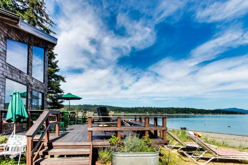 Swifts Bay Beach House with mooring - Image 1 - Lopez Island - rentals